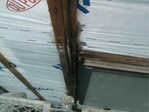 窓周り外壁の施行不良写真